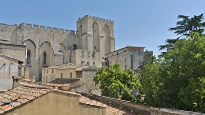 Appartement cossu de 184 m² avec Ascenseur - Avignon intra-muros